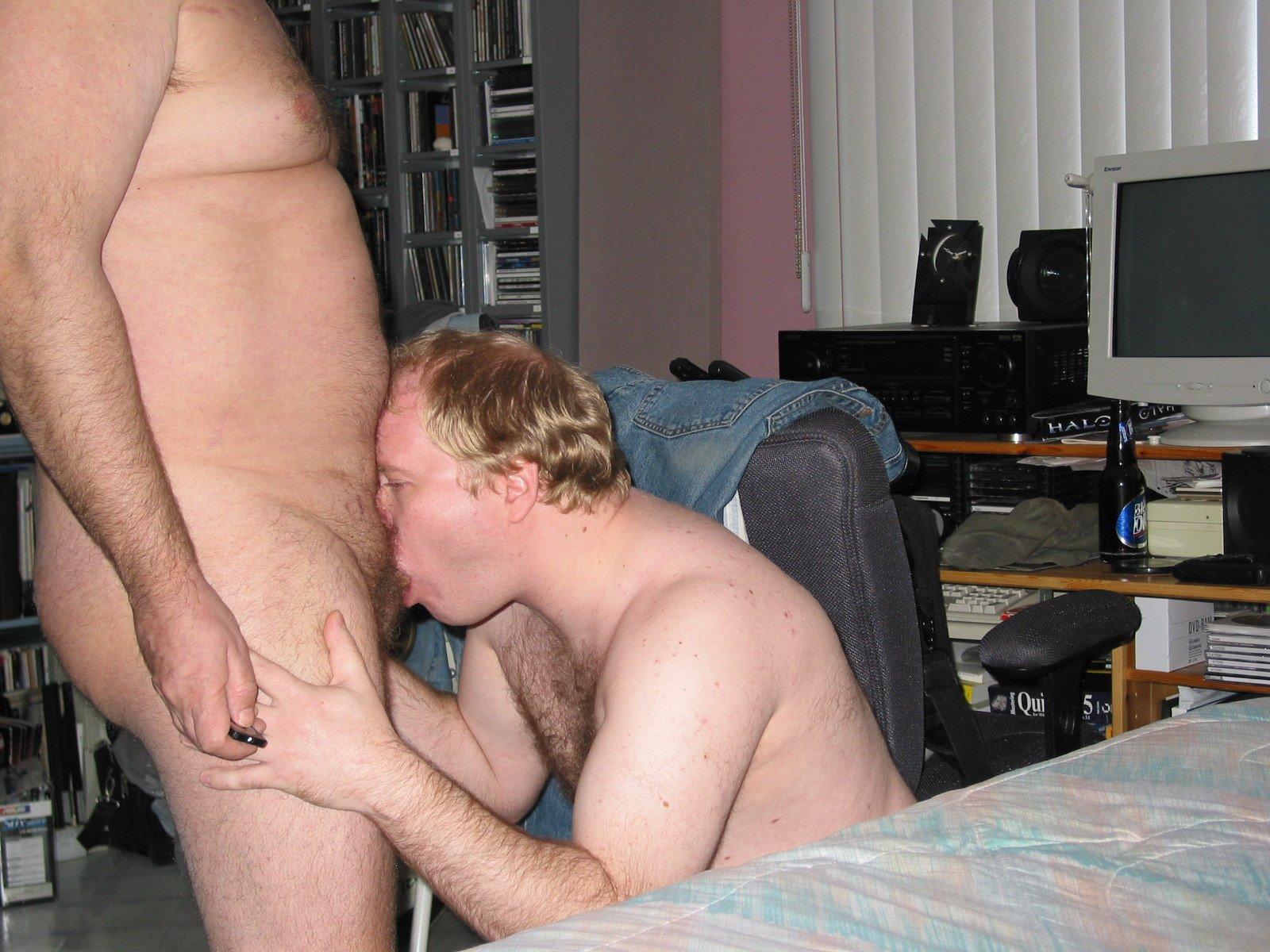 Mike Bishop Sucking Cock (3/81)