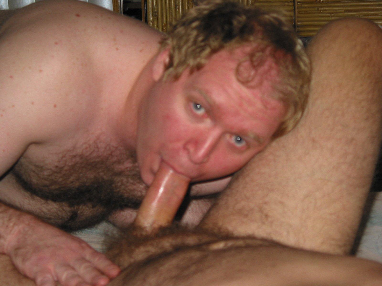 Mike Bishop Sucking Cock (20/81)