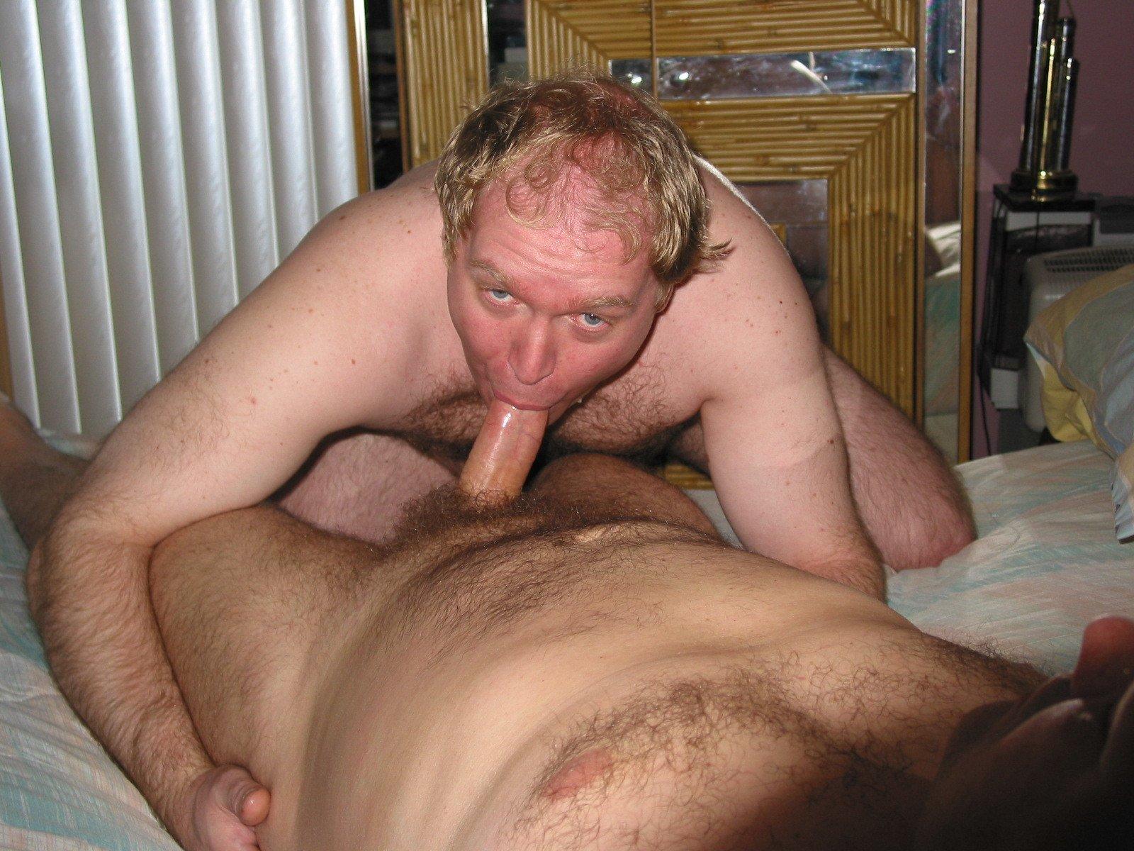 Mike Bishop Sucking Cock (22/81)