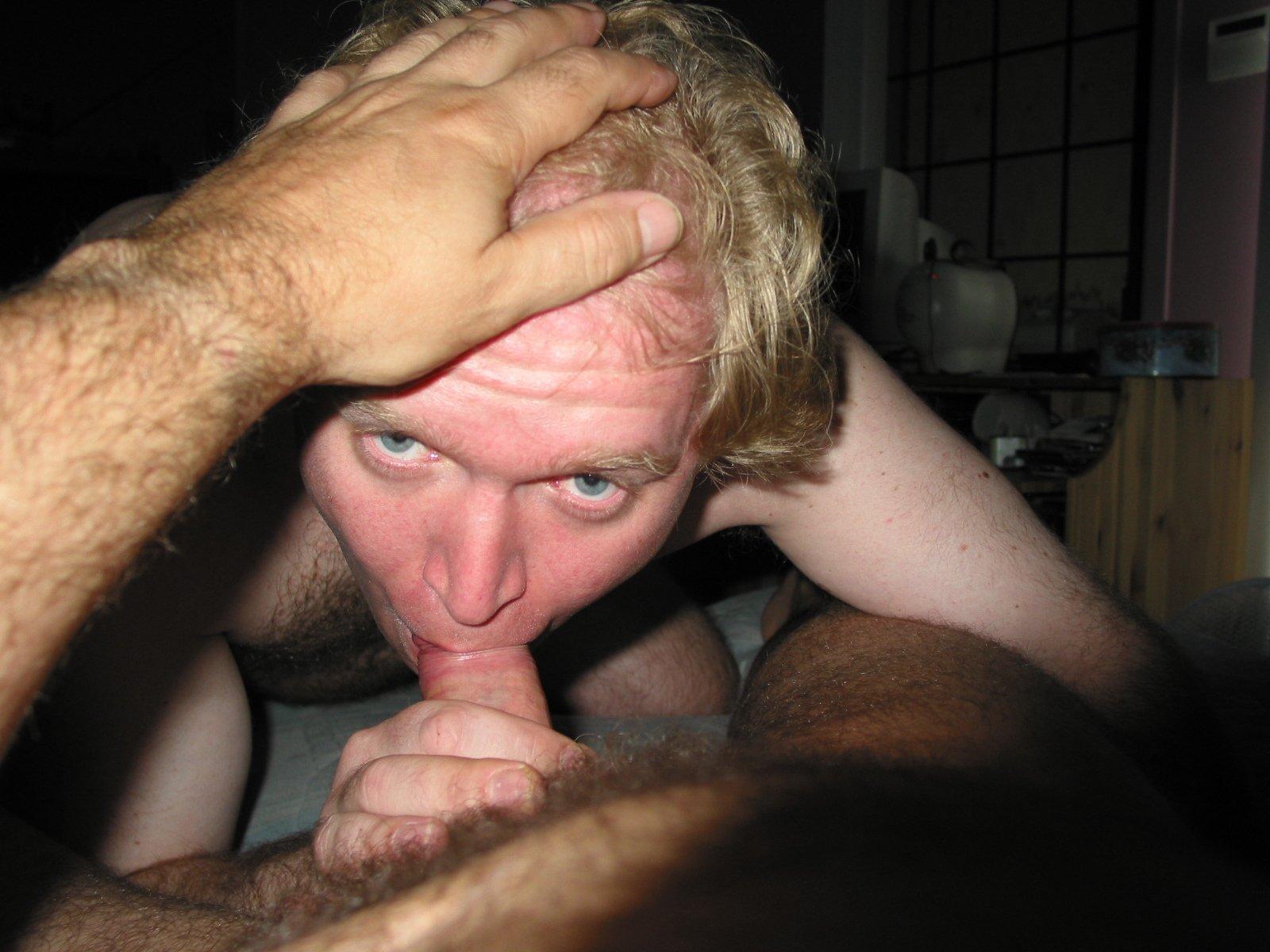 Mike Bishop Sucking Cock (23/81)