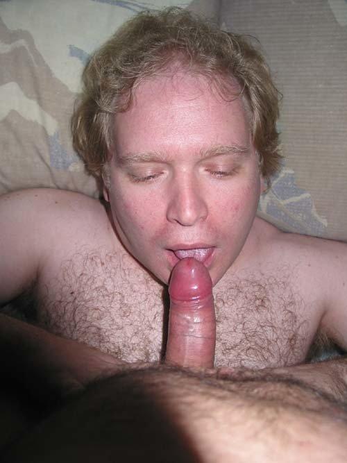 Mike Bishop Sucking Cock (41/81)