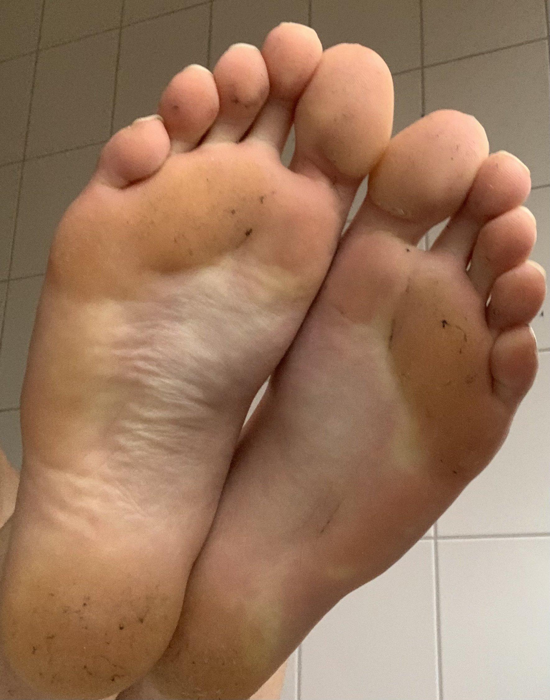 Boy feet  (1/2)