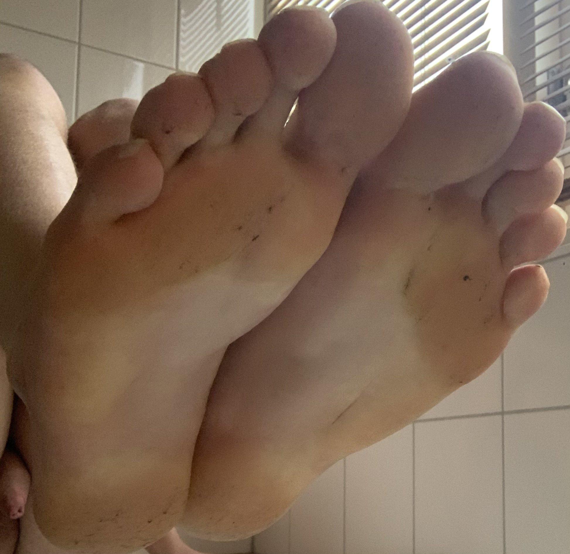 Boy feet  (2/2)