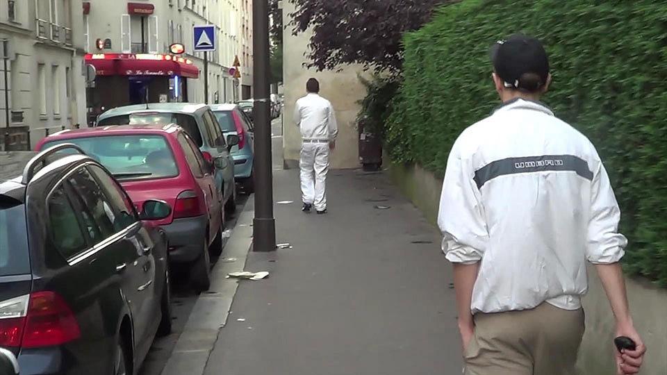 Juan XXL hunts Matt Kenedy in the streets of Paris